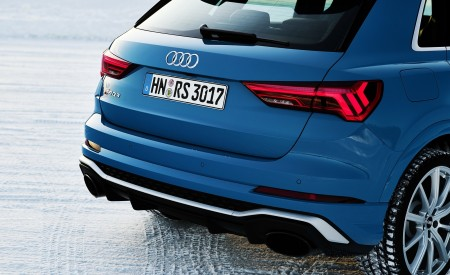 2020 Audi RS Q3 (Color: Turbo Blue) Tail Light Wallpapers 450x275 (51)