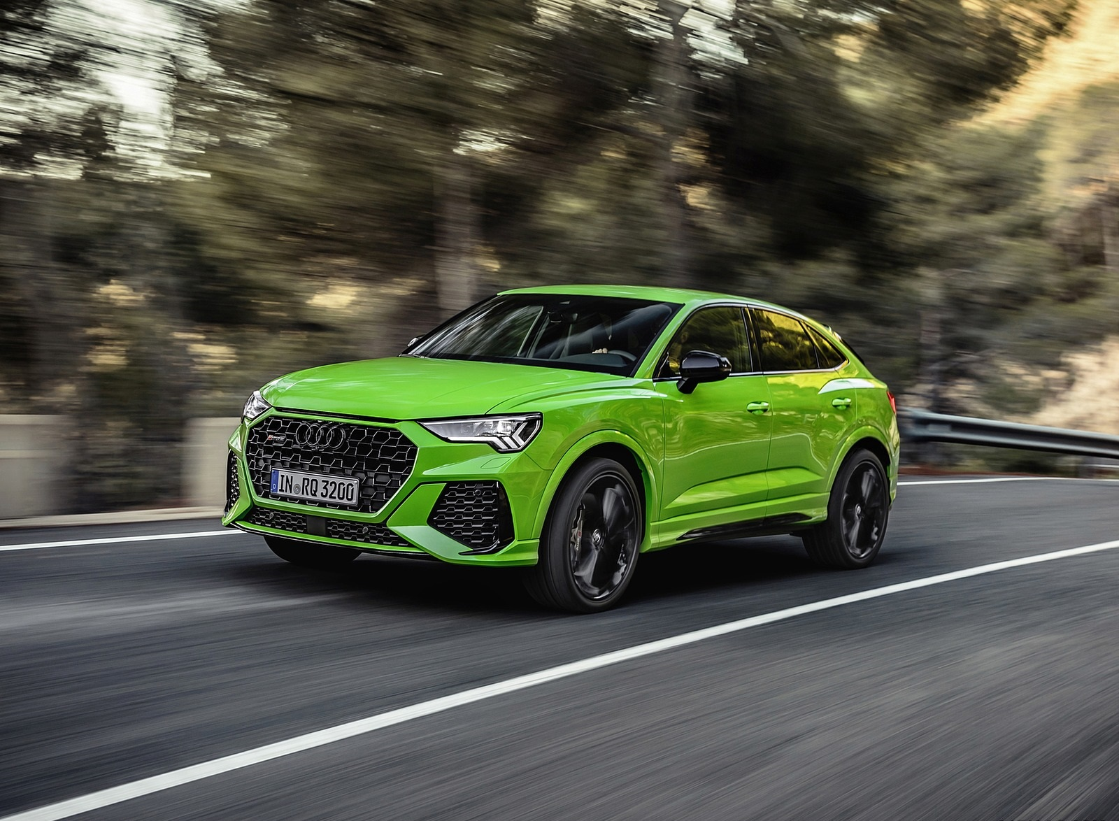 2020 Audi RS Q3 Sportback (Color: Kyalami Green) Front Three-Quarter Wallpapers (5)