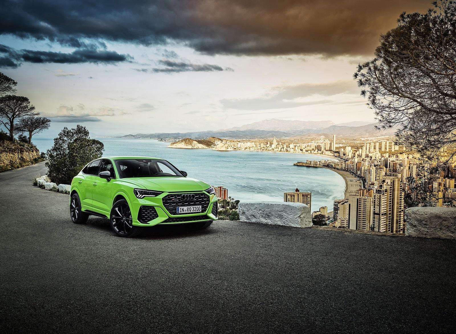 2020 Audi RS Q3 Sportback (Color: Kyalami Green) Front Three-Quarter Wallpapers (6)