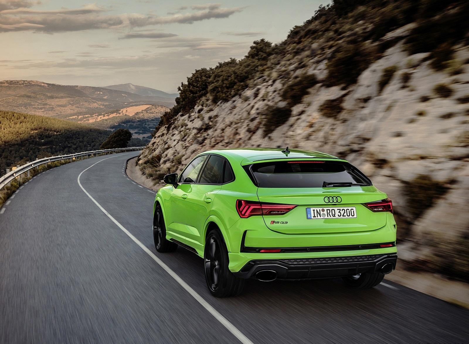 2020 Audi RS Q3 Sportback (Color: Kyalami Green) Rear Three-Quarter Wallpapers (8)
