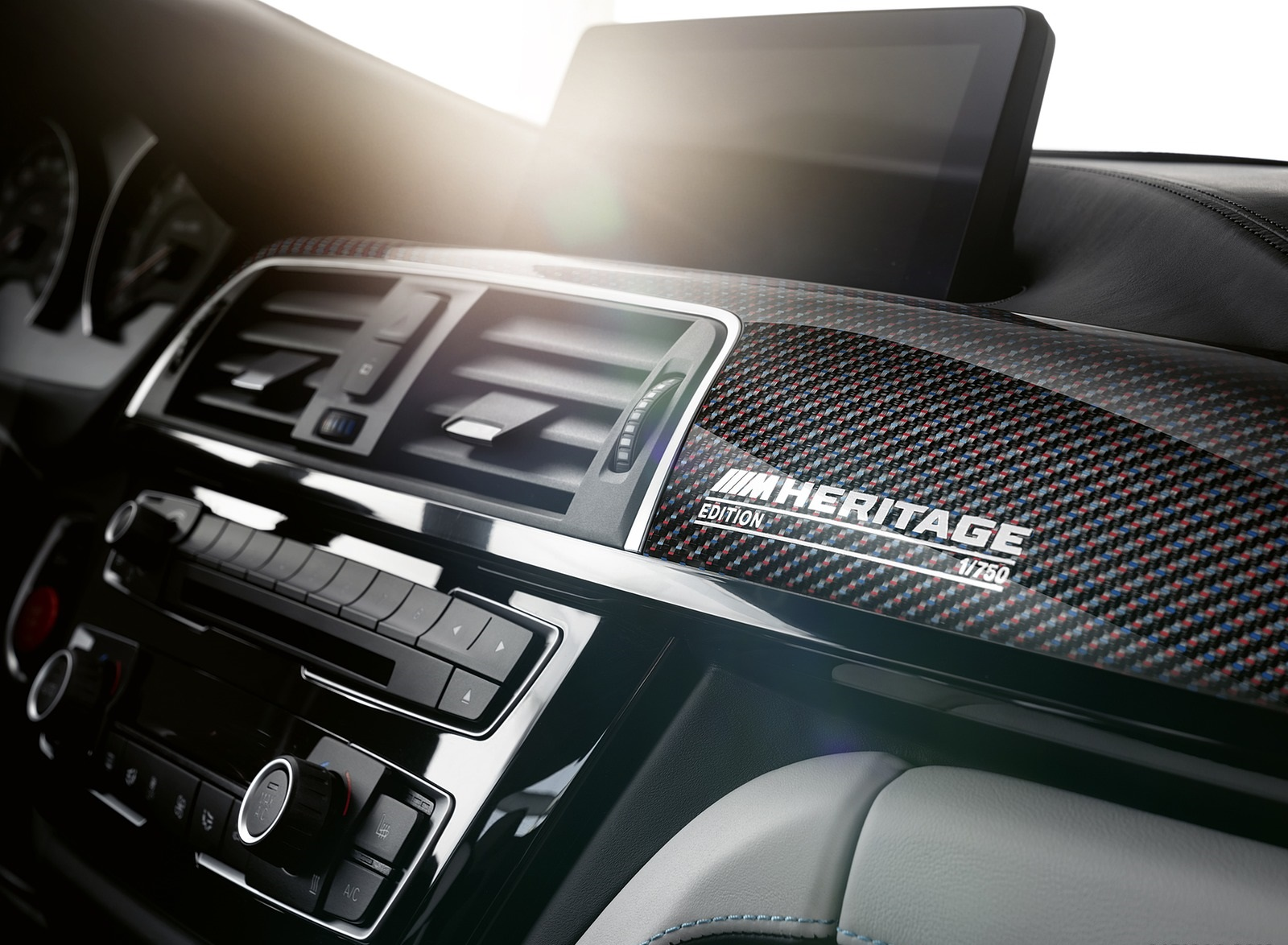 2020 BMW M4 Edition M Heritage Interior Detail Wallpapers (11)