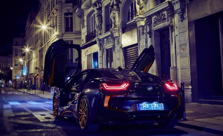 2020 BMW i8 Ultimate Sophisto Edition Rear Three-Quarter Wallpapers 450x275 (10)