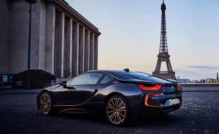 2020 BMW i8 Ultimate Sophisto Edition Rear Three-Quarter Wallpapers 450x275 (5)