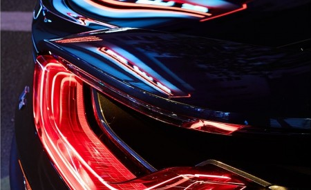 2020 BMW i8 Ultimate Sophisto Edition Tail Light Wallpapers 450x275 (13)
