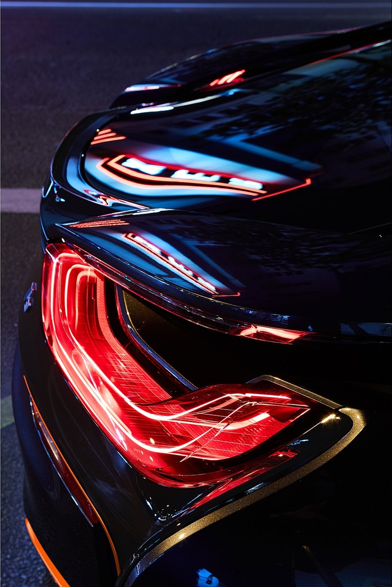 2020 BMW i8 Ultimate Sophisto Edition Tail Light Wallpapers (13)