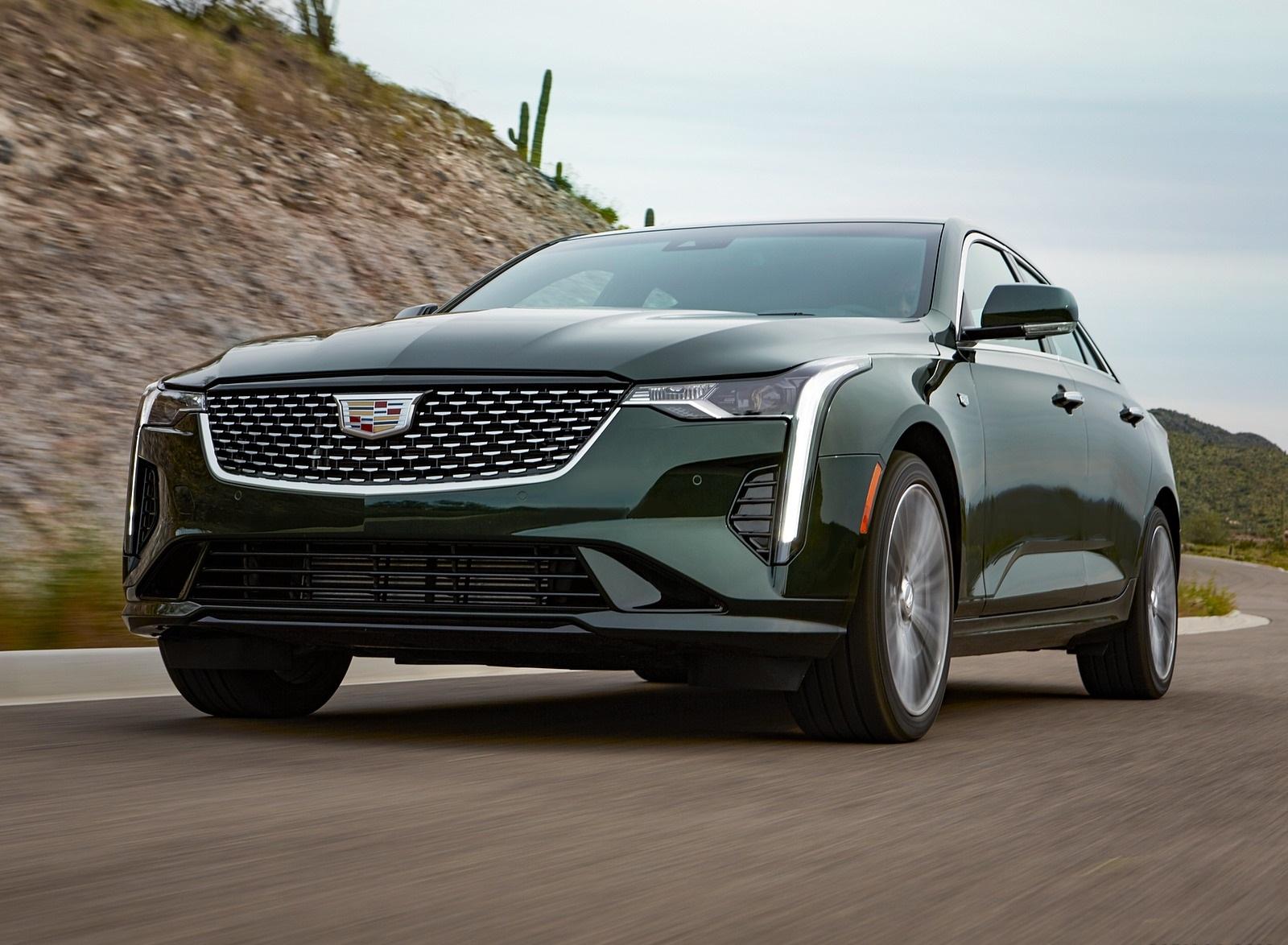 2020 Cadillac CT4 Premium Luxury Front Three-Quarter Wallpapers (2)