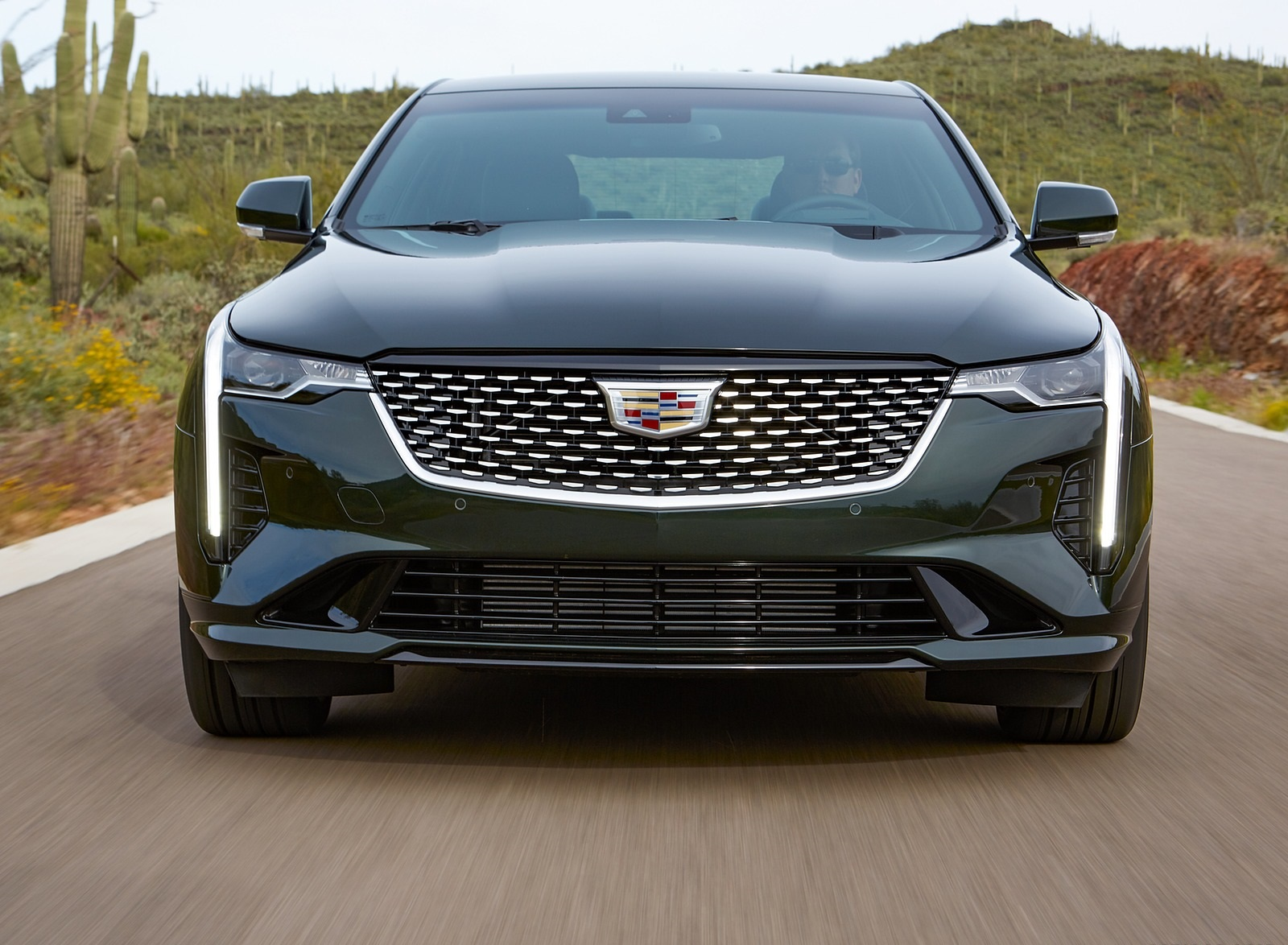 2020 Cadillac CT4 Premium Luxury Front Wallpapers (4)