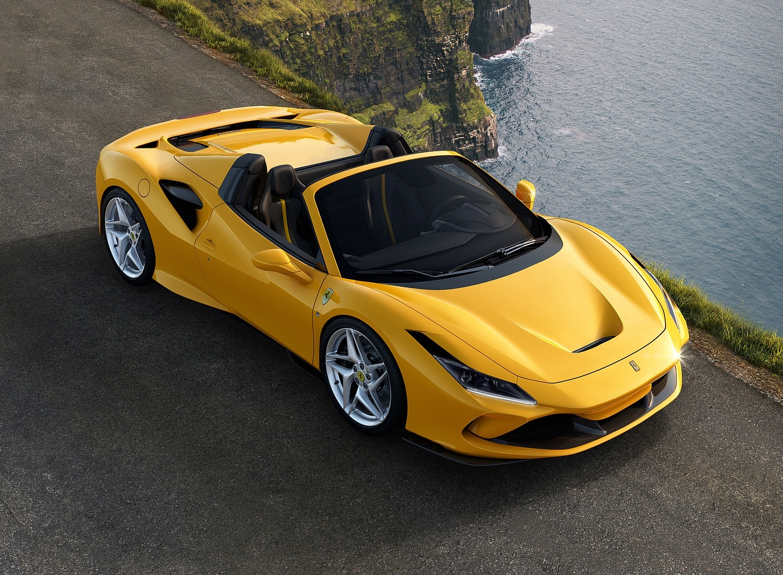 2020 Ferrari F8 Spider Front Three-Quarter Wallpapers (2)