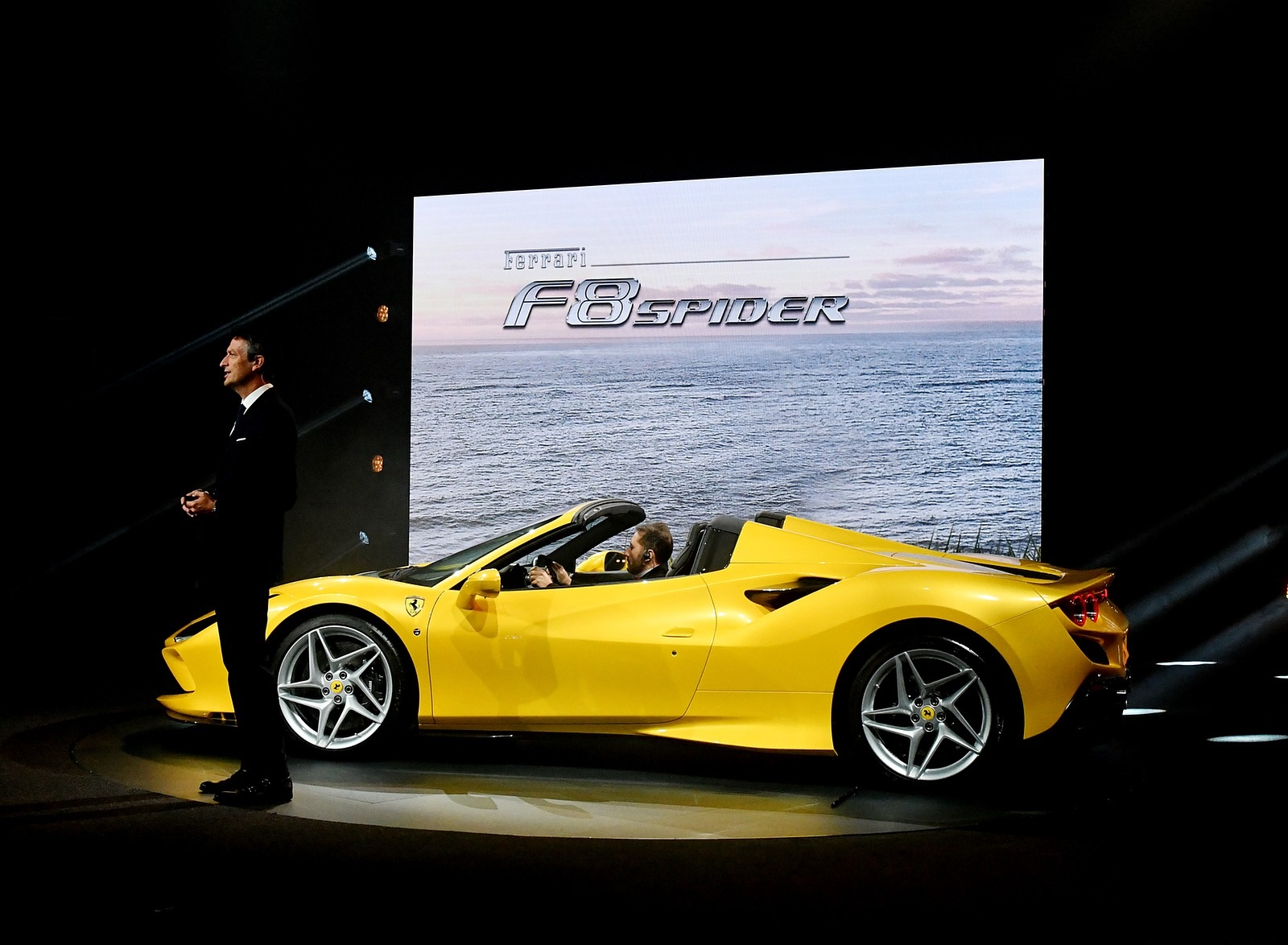 2020 Ferrari F8 Spider Presentation Wallpapers (10)