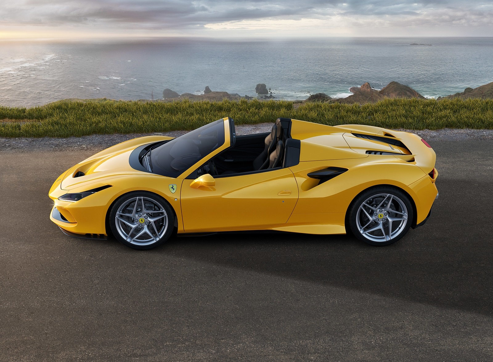 2020 Ferrari F8 Spider Side Wallpapers (7)