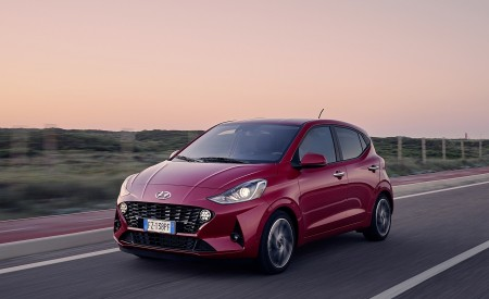 2020 Hyundai i10 Front Three-Quarter Wallpapers 450x275 (4)