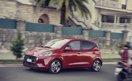 2020 Hyundai i10 Front Three-Quarter Wallpapers 450x275 (17)