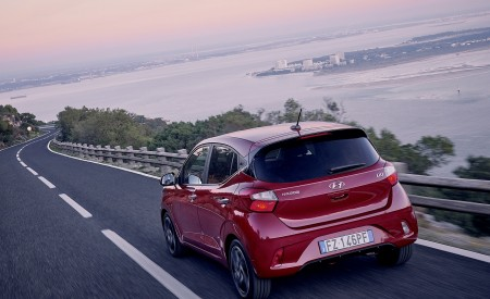 2020 Hyundai i10 Rear Three-Quarter Wallpapers 450x275 (8)