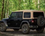 2020 Jeep Wrangler Black and Tan Edition Rear Three-Quarter Wallpapers 150x120 (2)