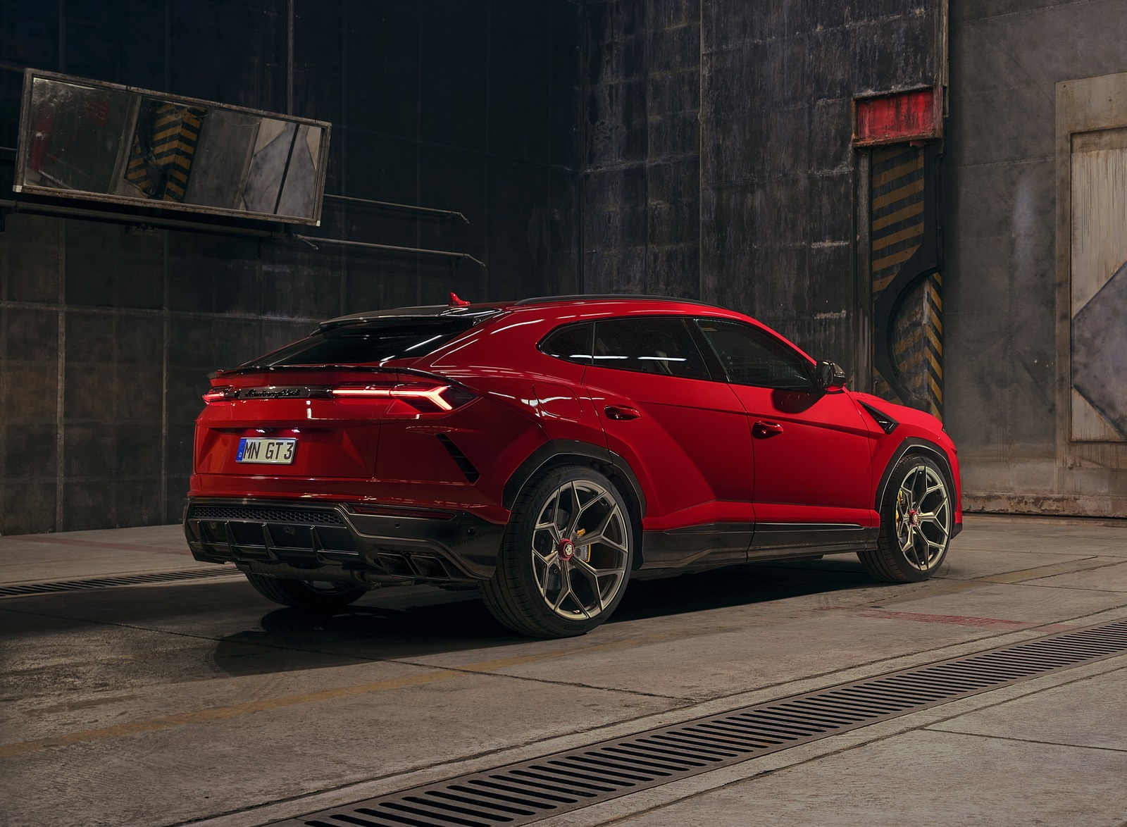2020 NOVITEC Lamborghini Urus Rear Three-Quarter Wallpapers (4)
