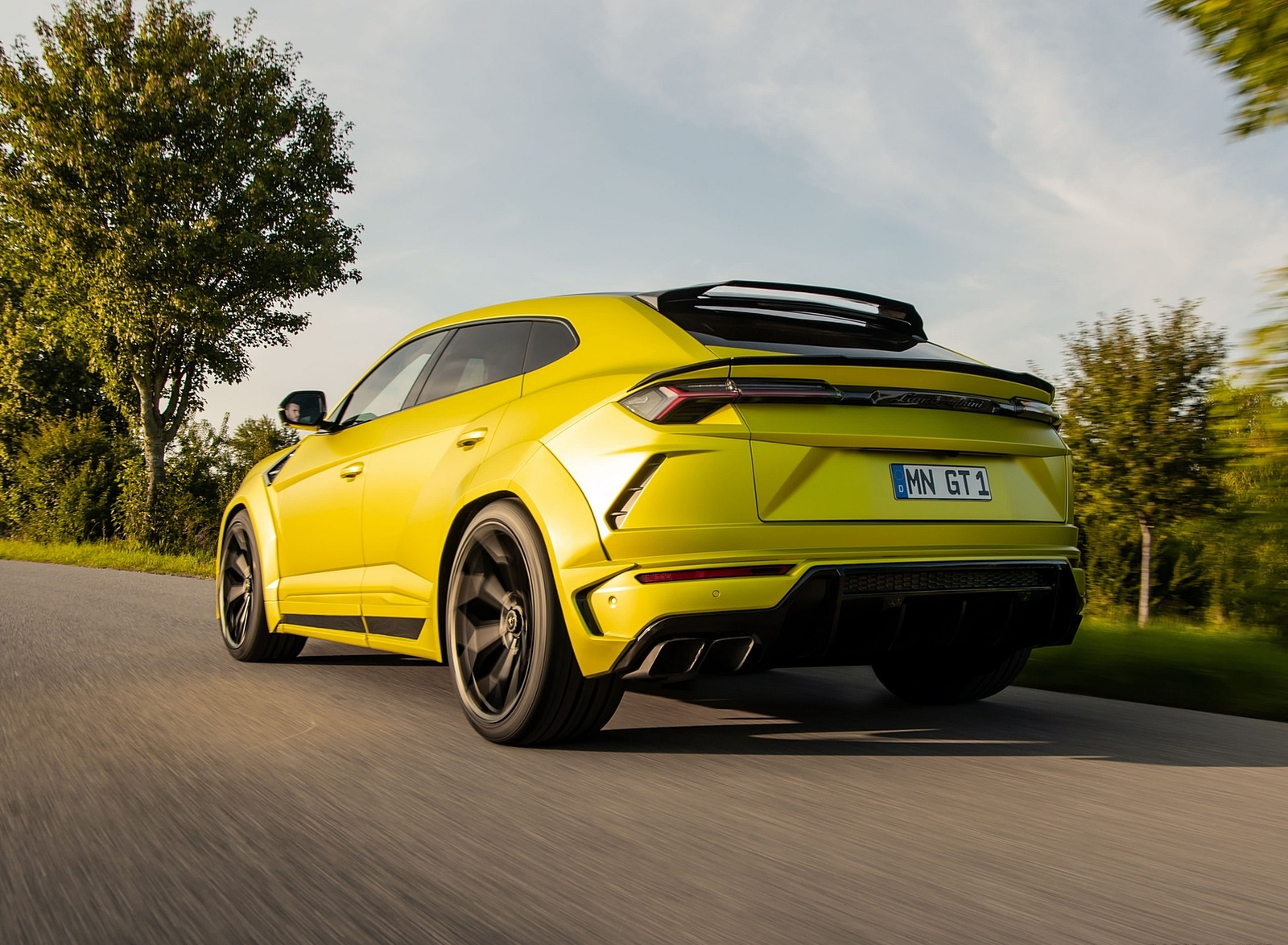 2020 NOVITEC Lamborghini Urus Rear Three-Quarter Wallpapers (2)