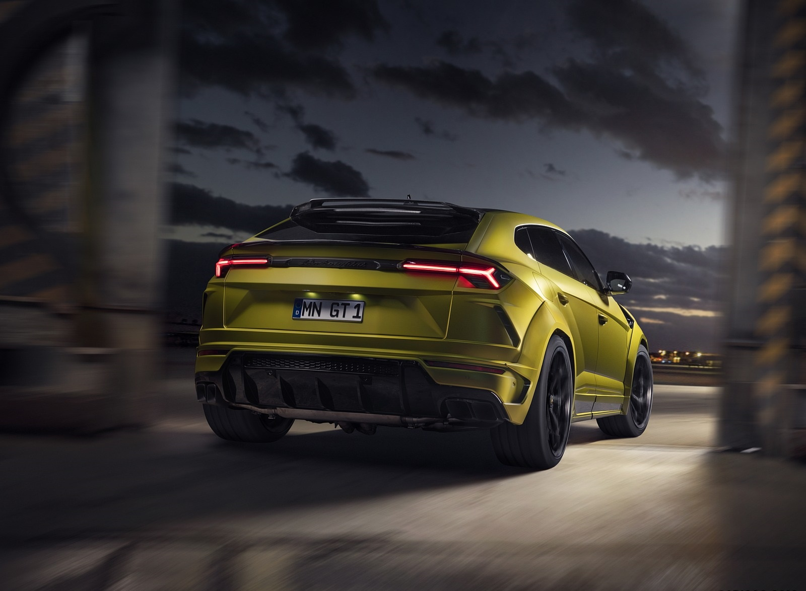 2020 NOVITEC Lamborghini Urus Rear Wallpapers (12)
