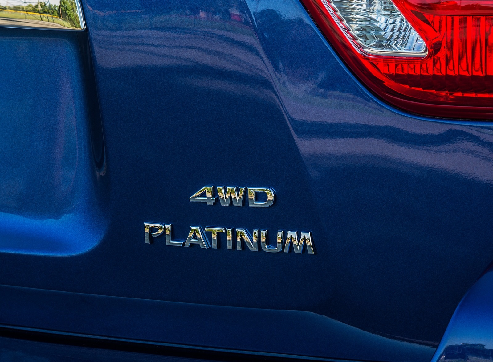2020 Nissan Pathfinder Platinum 4WD Badge Wallpapers (9)