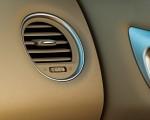 2020 Nissan Pathfinder Platinum 4WD Interior Detail Wallpapers 150x120 (17)