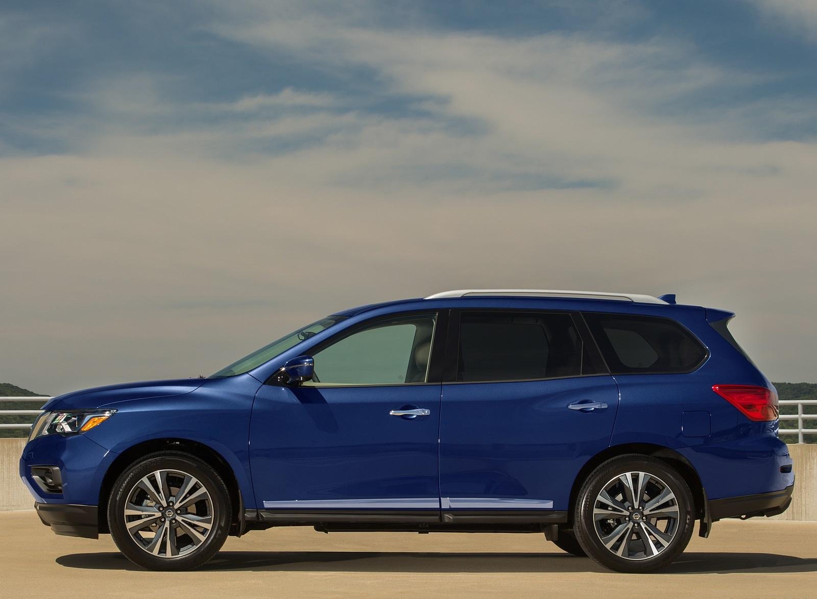 2020 Nissan Pathfinder Platinum 4WD Side Wallpapers (6)