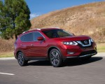 2020 Nissan Rogue Front Three-Quarter Wallpapers 150x120 (2)