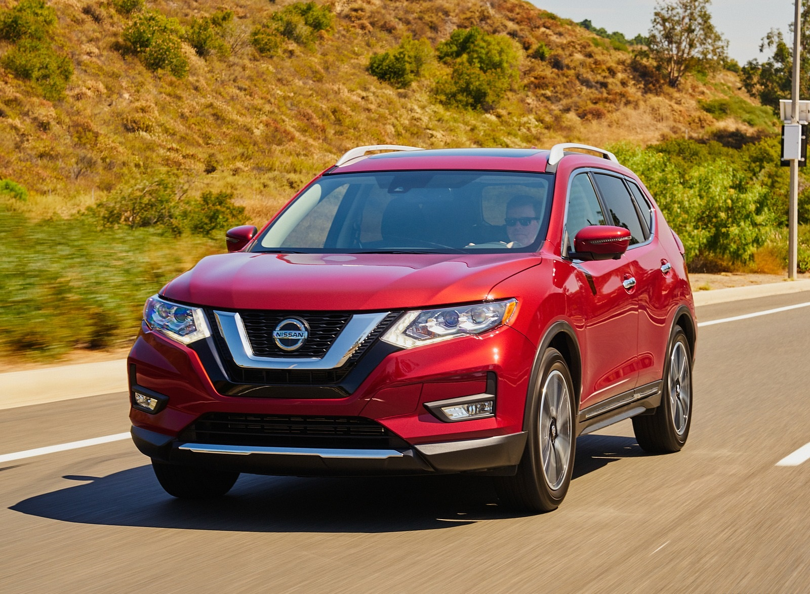 2020 Nissan Rogue Front Three-Quarter Wallpapers (3)