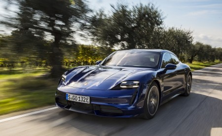 2020 Porsche Taycan Turbo (Color: Gentian Blue Metallic) Front Three-Quarter Wallpapers 450x275 (2)