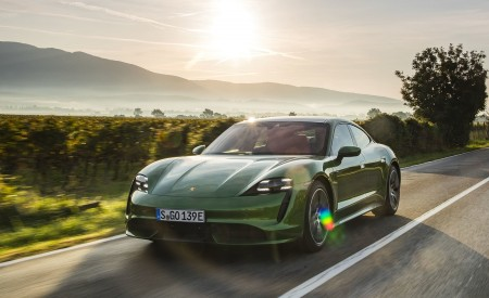 2020 Porsche Taycan Turbo (Color: Mamba Green Metallic) Front Three-Quarter Wallpapers 450x275 (18)