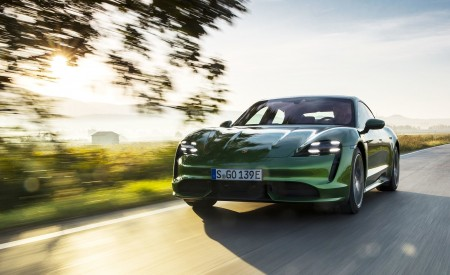 2020 Porsche Taycan Turbo (Color: Mamba Green Metallic) Front Three-Quarter Wallpapers 450x275 (19)