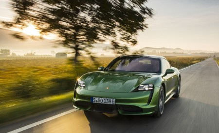 2020 Porsche Taycan Turbo (Color: Mamba Green Metallic) Front Three-Quarter Wallpapers 450x275 (22)
