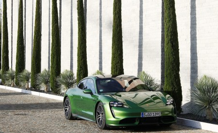 2020 Porsche Taycan Turbo (Color: Mamba Green Metallic) Front Wallpapers 450x275 (29)
