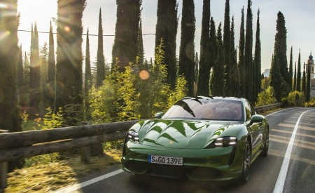 2020 Porsche Taycan Turbo (Color: Mamba Green Metallic) Front Wallpapers 450x275 (23)