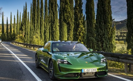 2020 Porsche Taycan Turbo (Color: Mamba Green Metallic) Front Wallpapers 450x275 (24)