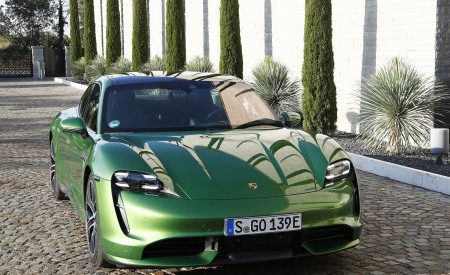 2020 Porsche Taycan Turbo (Color: Mamba Green Metallic) Front Wallpapers 450x275 (30)