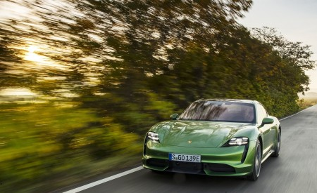 2020 Porsche Taycan Turbo (Color: Mamba Green Metallic) Front Wallpapers 450x275 (26)