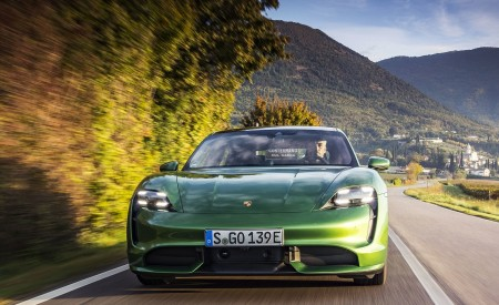 2020 Porsche Taycan Turbo (Color: Mamba Green Metallic) Front Wallpapers 450x275 (27)