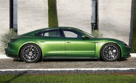 2020 Porsche Taycan Turbo (Color: Mamba Green Metallic) Side Wallpapers 450x275 (33)