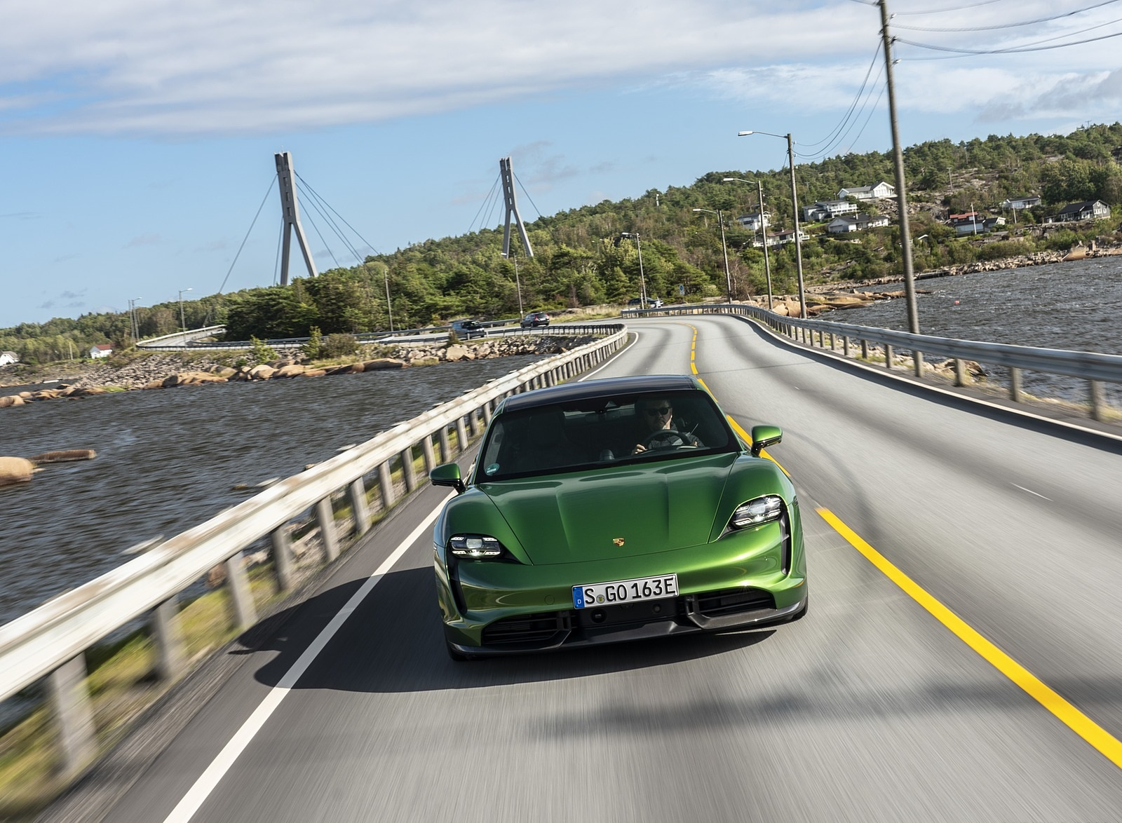 2020 Porsche Taycan Turbo S (Color: Mamba Green Metallic) Front Wallpapers (5)