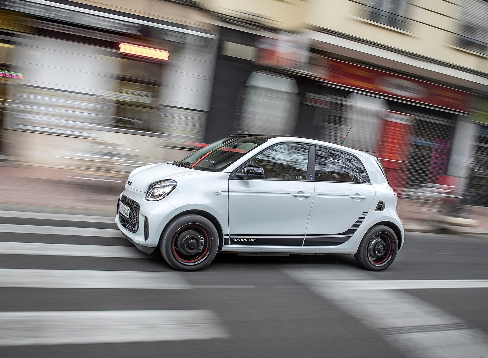 2020 Smart EQ ForFour Pulse Line (Color: Ice White) Front Three-Quarter Wallpapers (3)