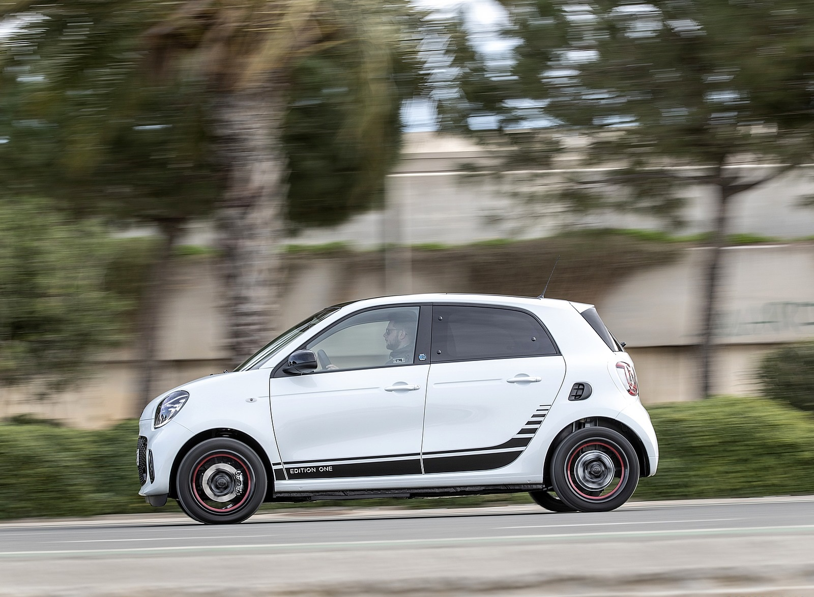 2020 Smart EQ ForFour Pulse Line (Color: Ice White) Side Wallpapers (9)