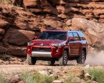 2020 Toyota 4Runner TRD Off-Road Front Three-Quarter Wallpapers 150x120 (14)