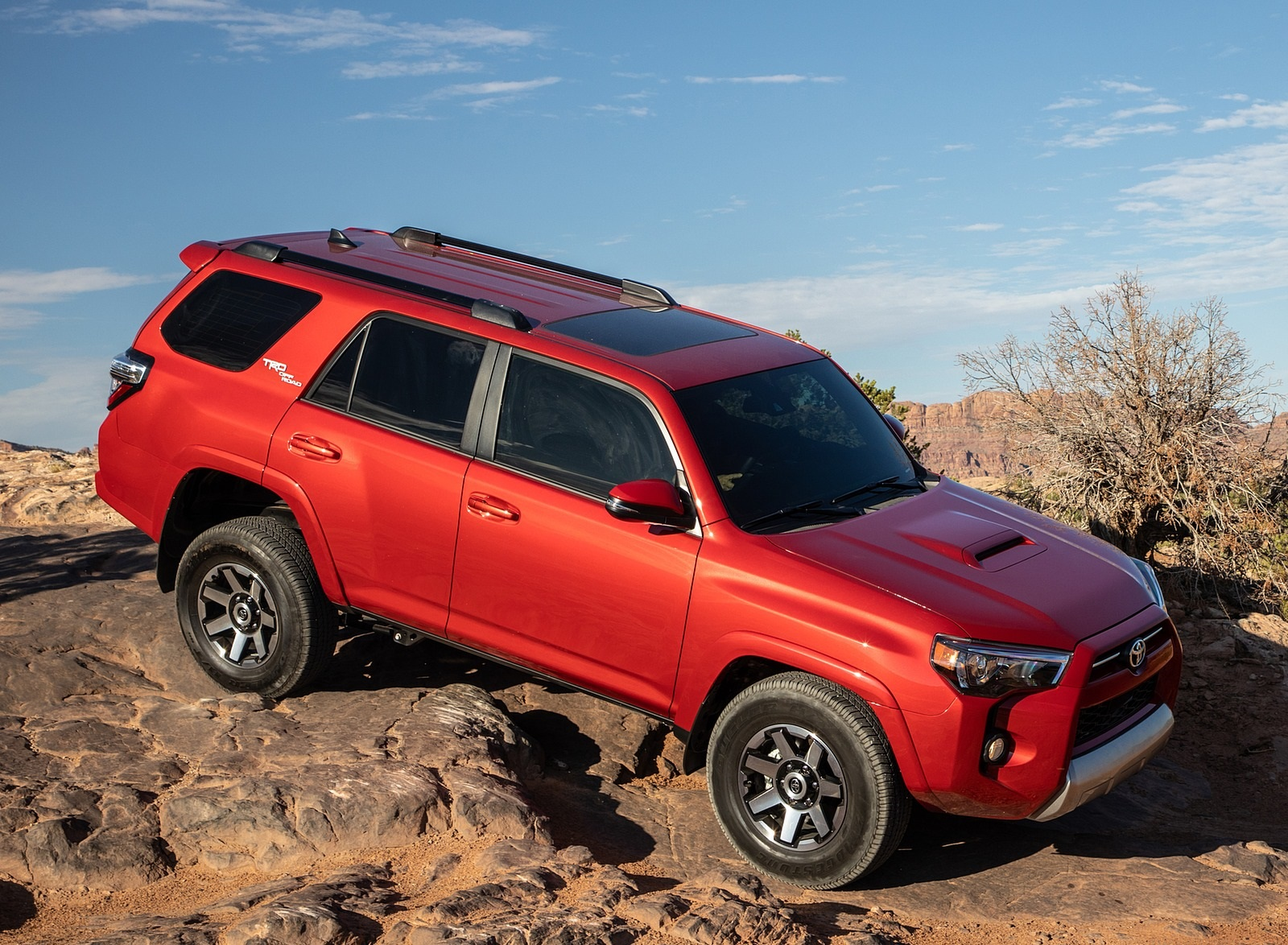2020 Toyota 4Runner TRD Off-Road Front Three-Quarter Wallpapers (15)
