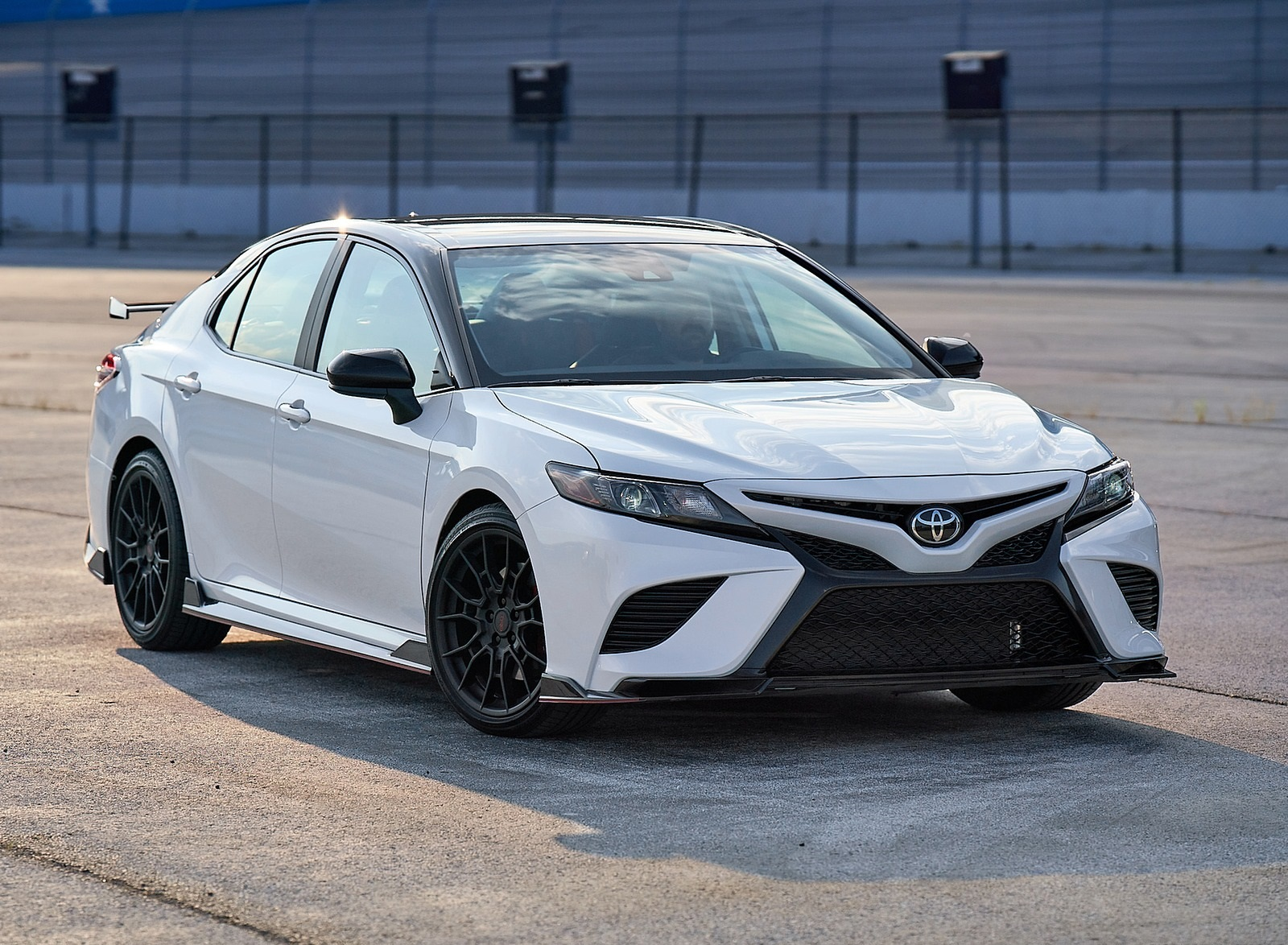 2020 Toyota Camry TRD Front Three-Quarter Wallpapers (6)