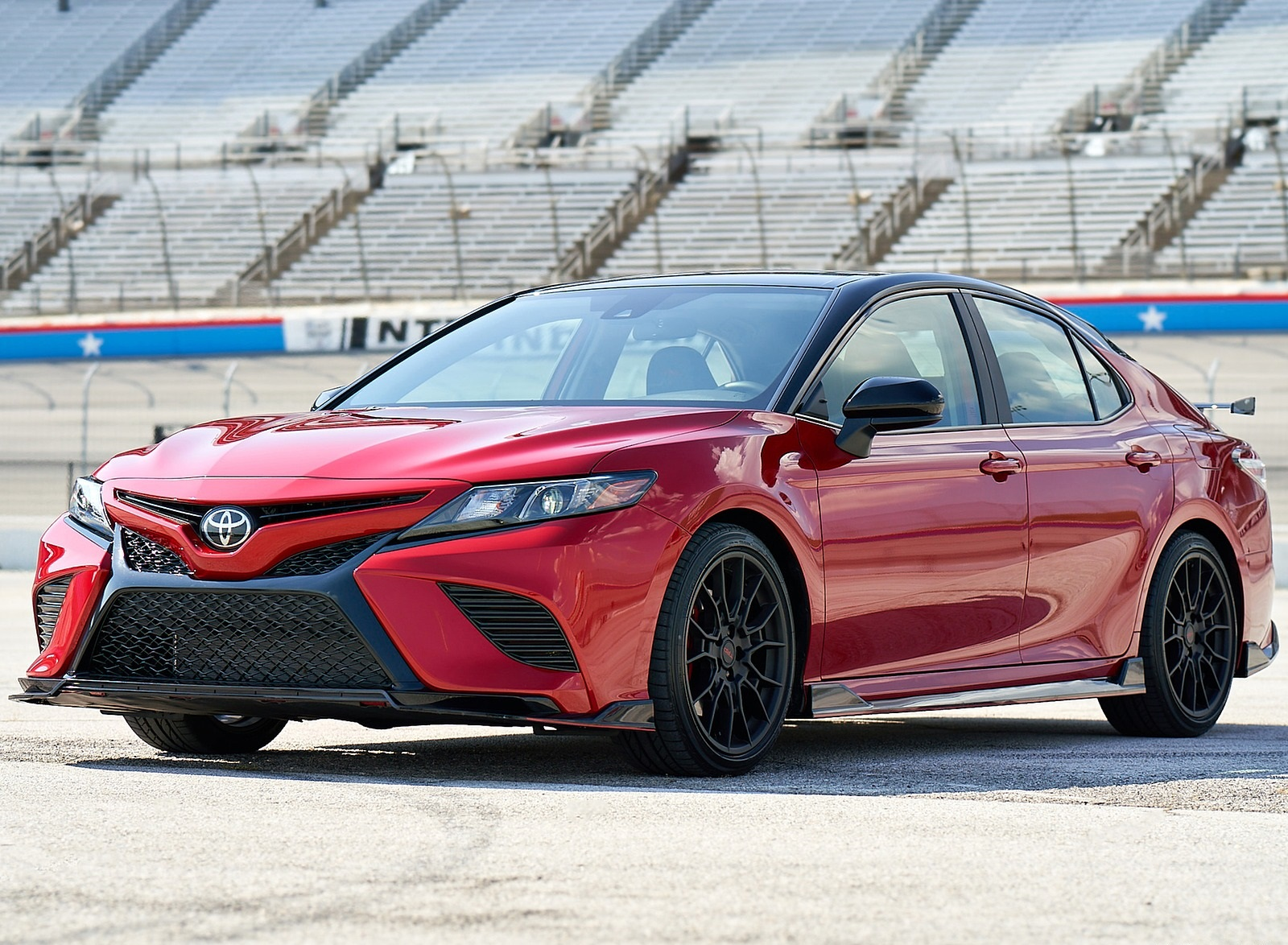 2020 Toyota Camry TRD Front Three-Quarter Wallpapers (2)