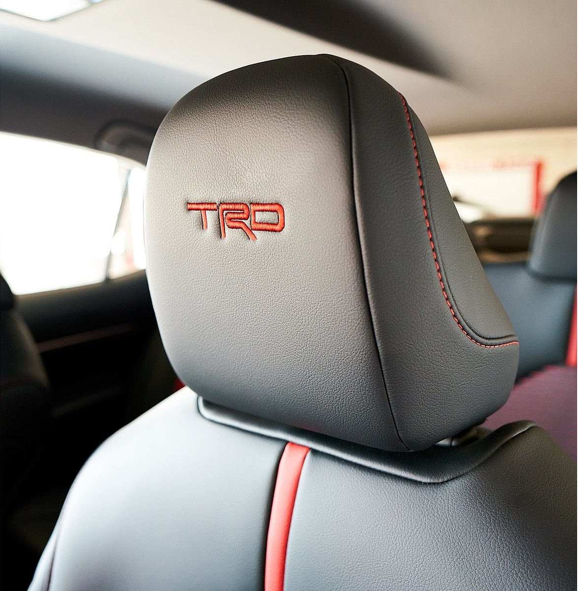 2020 Toyota Camry TRD Interior Seats Wallpapers (9)