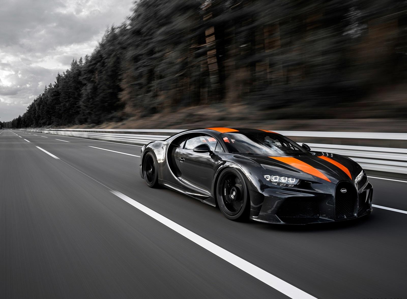 2021 Bugatti Chiron Super Sport 300+ Front Three-Quarter Wallpapers (2)