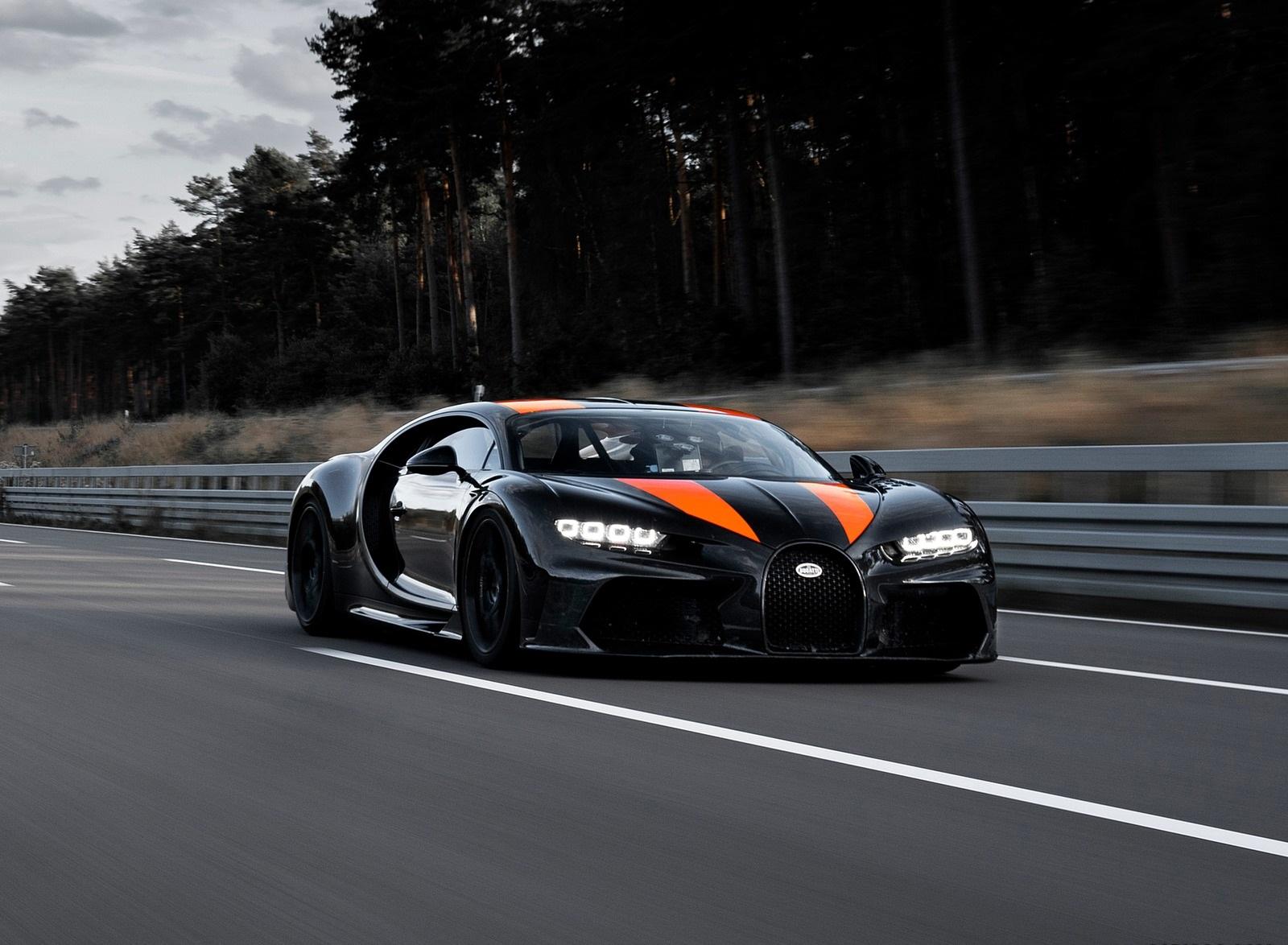2021 Bugatti Chiron Super Sport 300+ Front Three-Quarter Wallpapers (1)