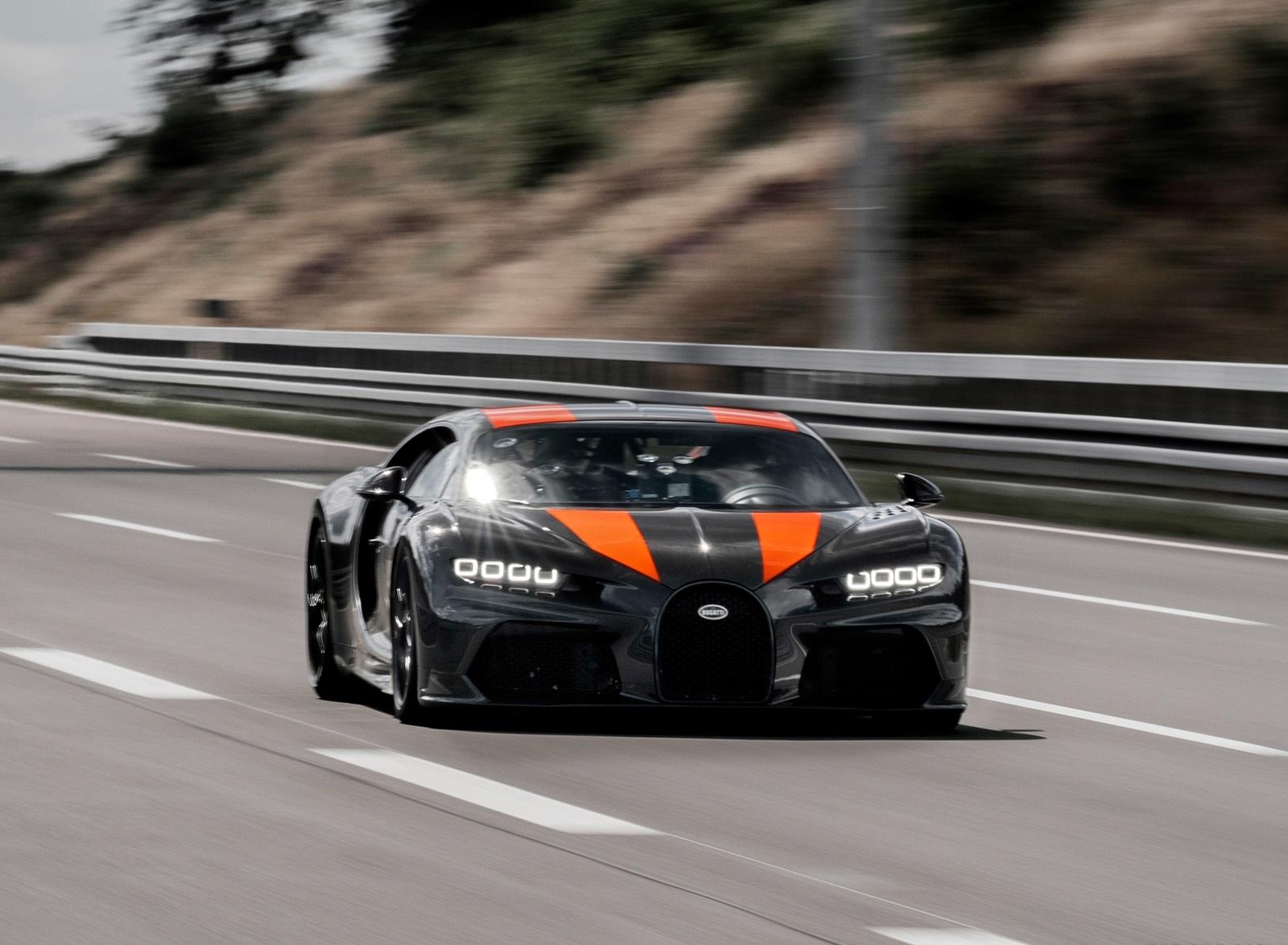2021 Bugatti Chiron Super Sport 300+ Front Three-Quarter Wallpapers (9)