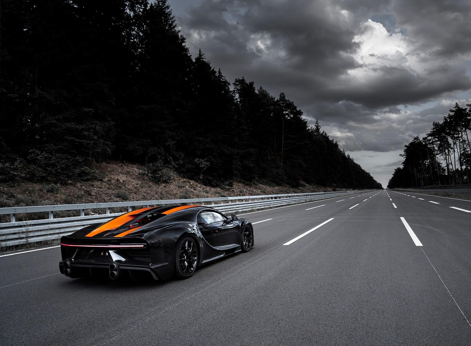 2021 Bugatti Chiron Super Sport 300+ Rear Three-Quarter Wallpapers (6)