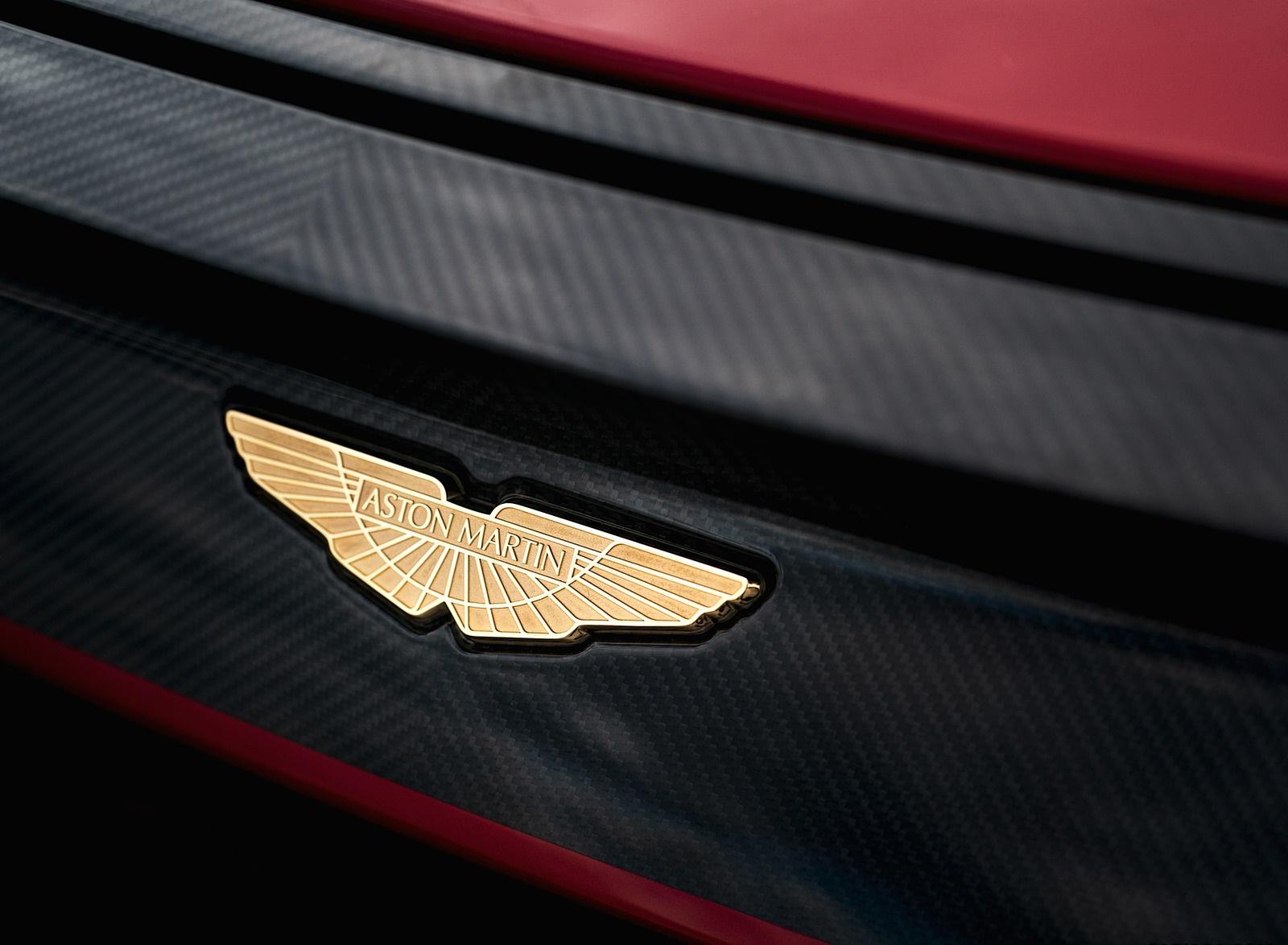 2020 Aston Martin DBS GT Zagato Badge Wallpapers (8)
